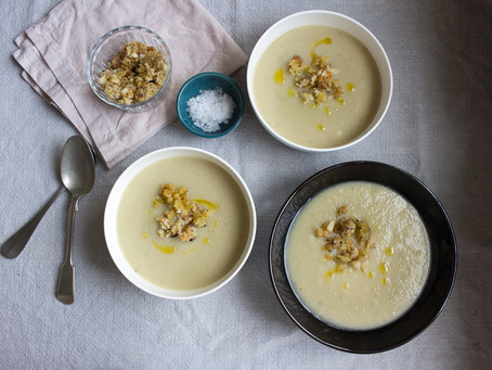 CAULIFLOWER & GREEN CHILLI SOUP WITH A CHEESY CRUMB