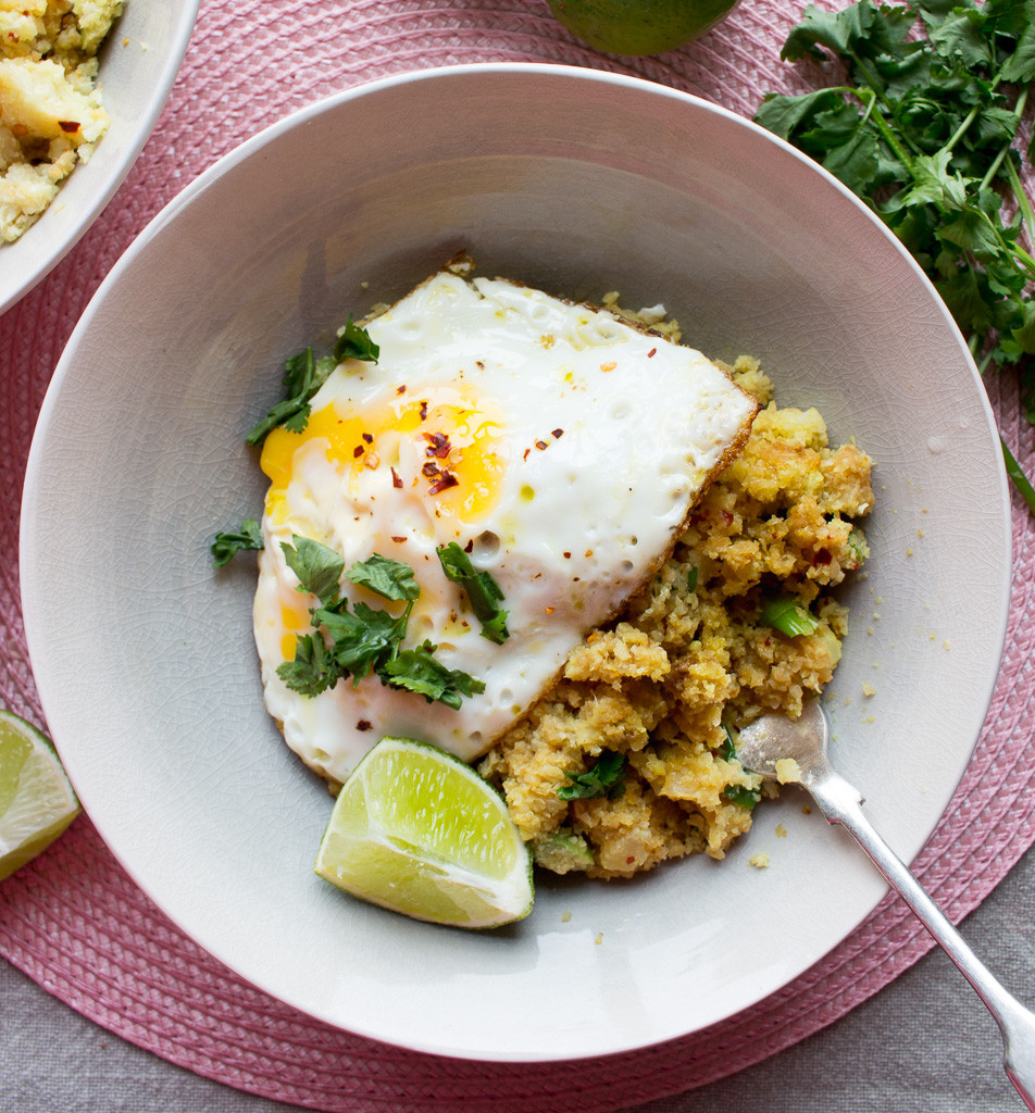 mage of Cauliflower Rice with a Fried Egg