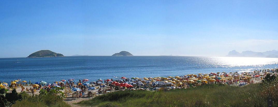 praia-de-camboinhas-niteroi-por-MICROLARM.jpg