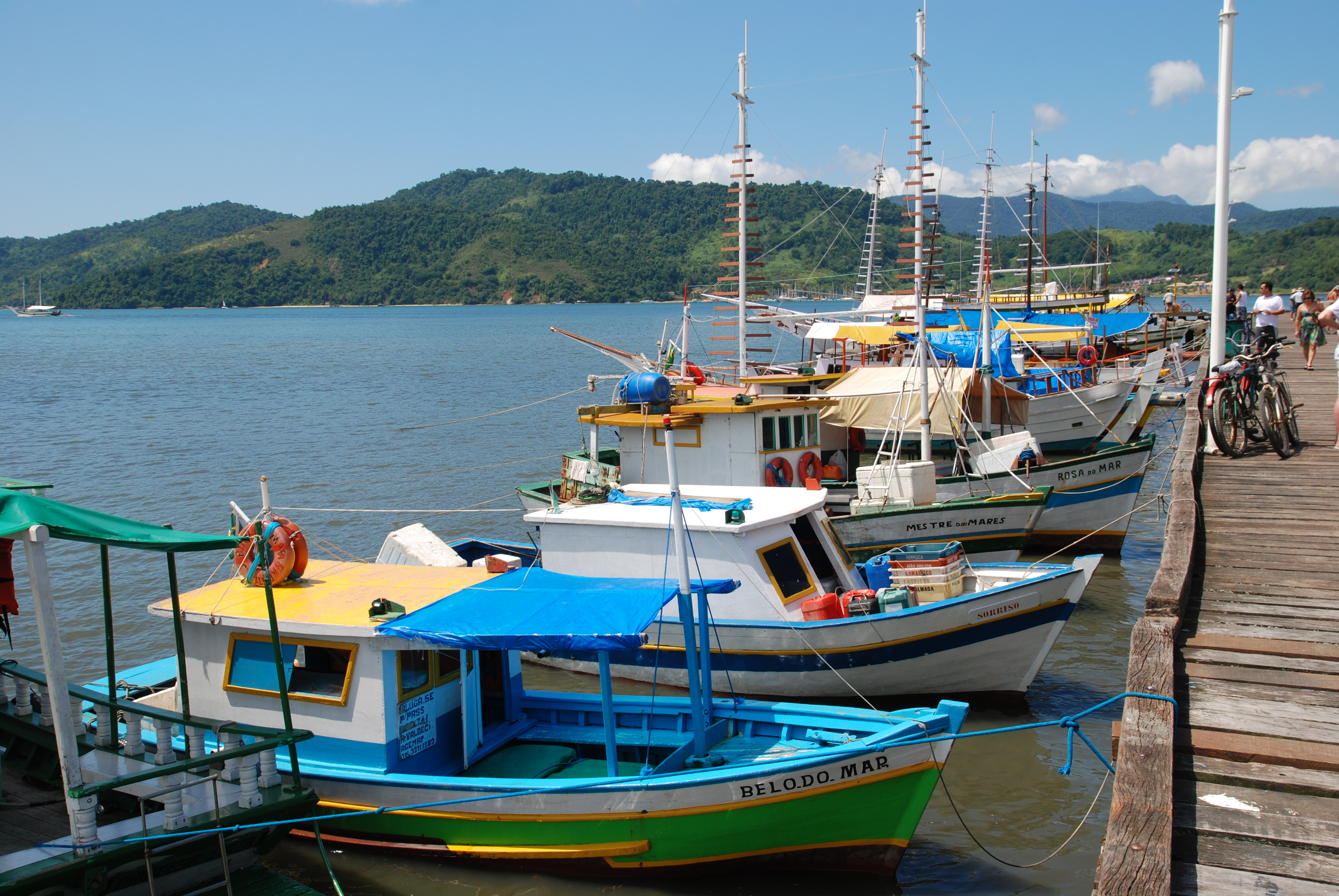 Brazil_paraty_harbour_boats.jpg