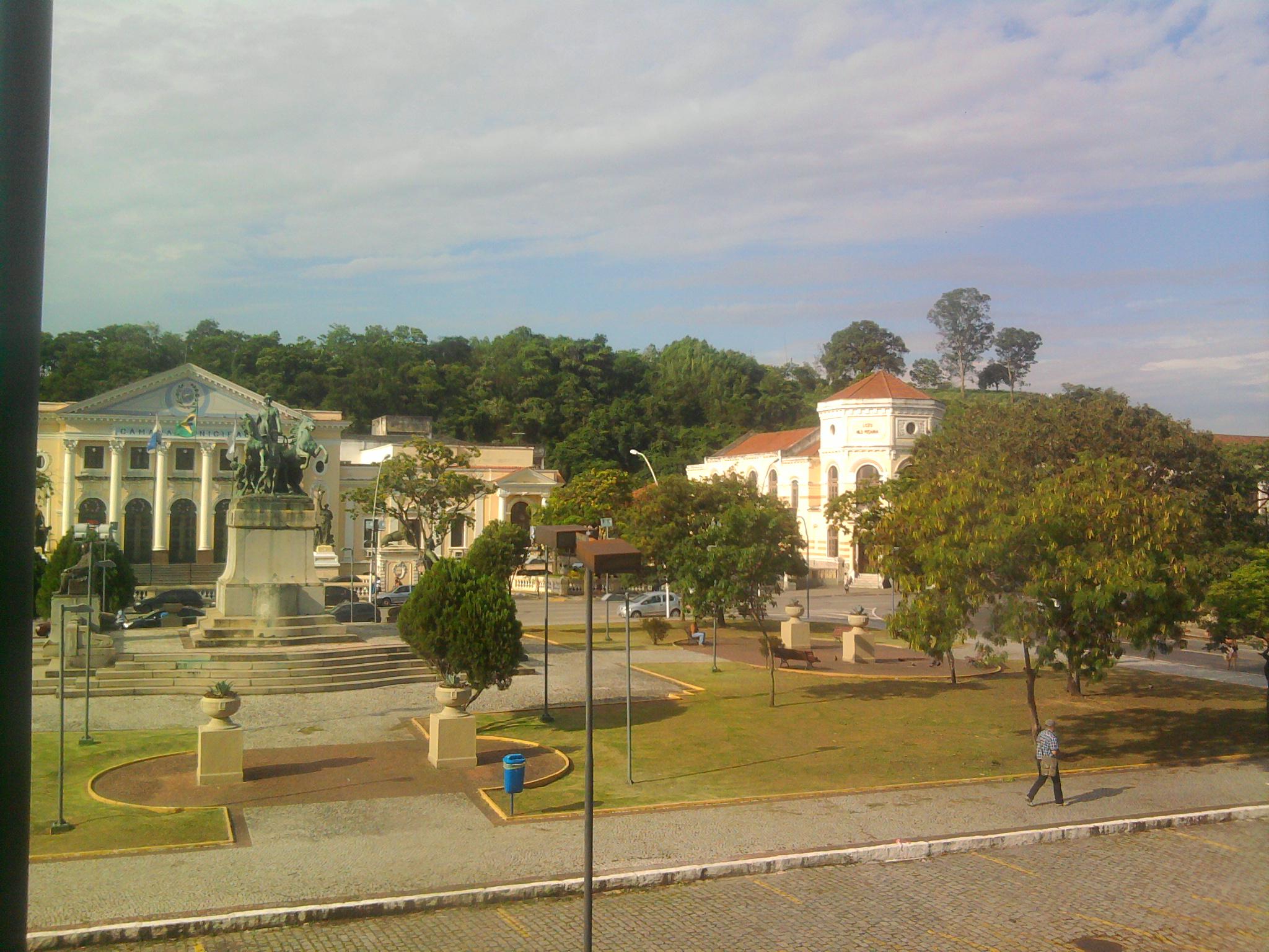 Praça_da_República_(Niterói).jpg