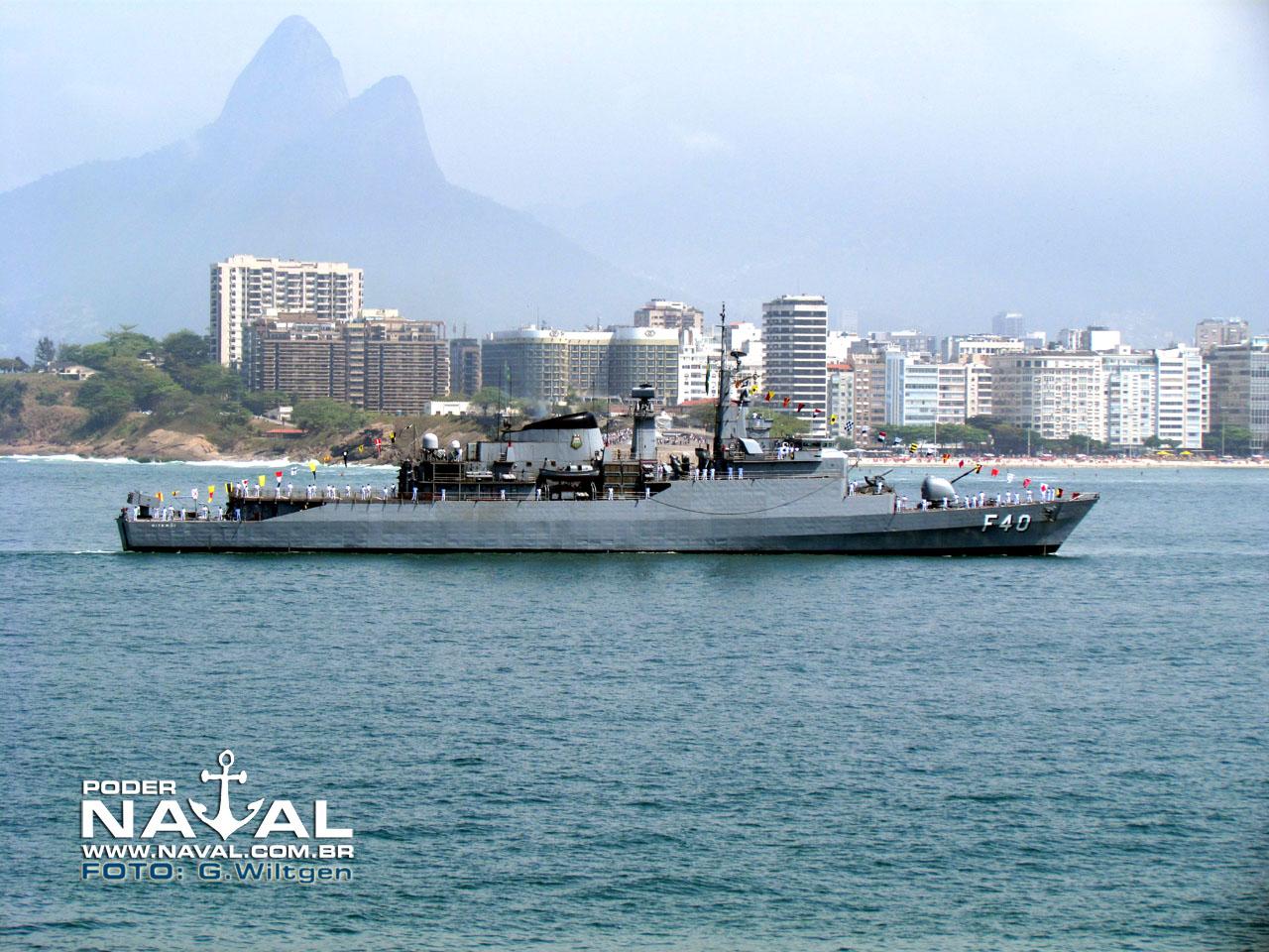F-Niterói-F-40_01.jpg