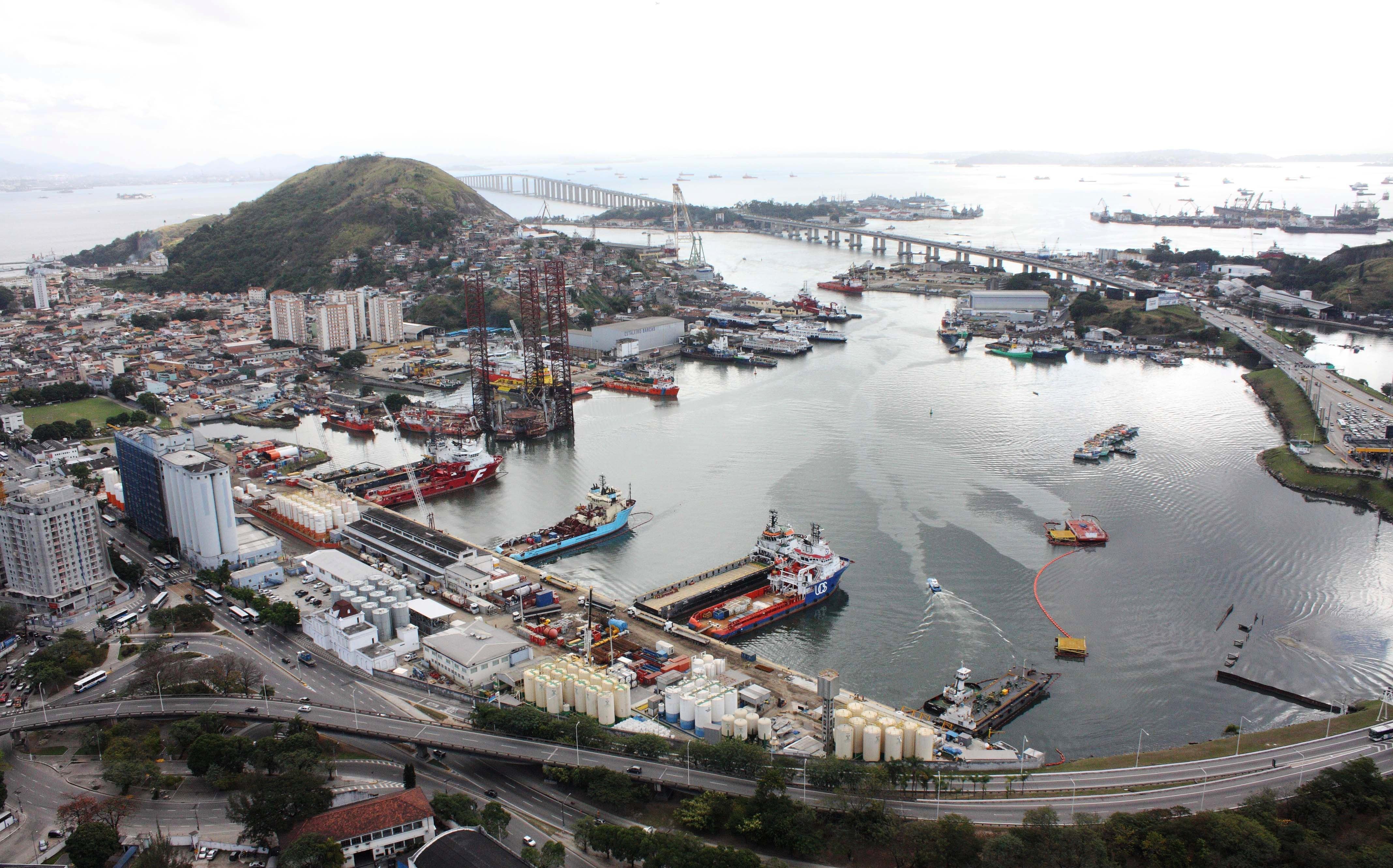 porto-de-niterc3b3i.jpg