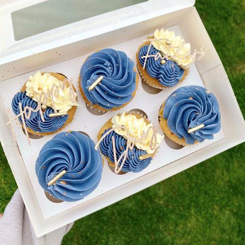 Box of 6 cupcakes.jpg