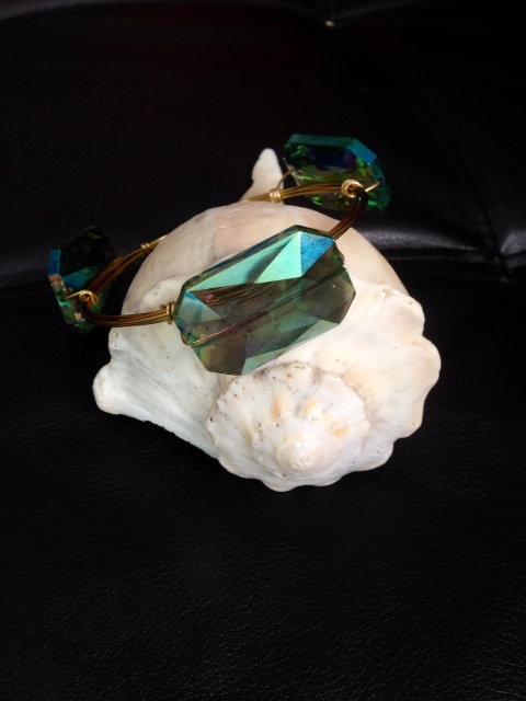 Green Glare Stones