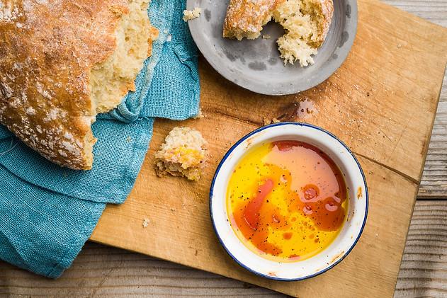 Ruokakuva   Välimerellinen leipädippi