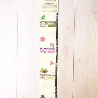馬鞭草防老化+玫瑰油白晳+杏仁油保濕嫩白護手乳+草本腿部舒緩霜長形展示吊板