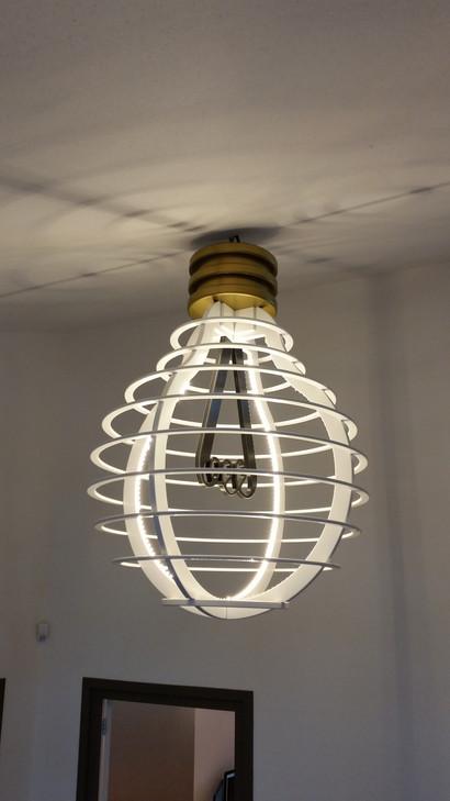 Lampbol