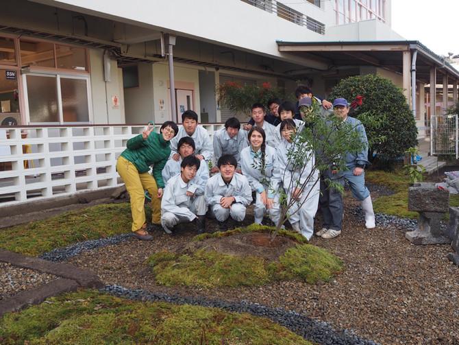 高校の授業で、庭づくりワークショップ。