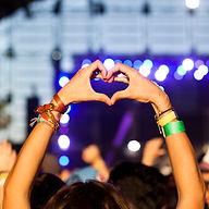 Mãos no coração