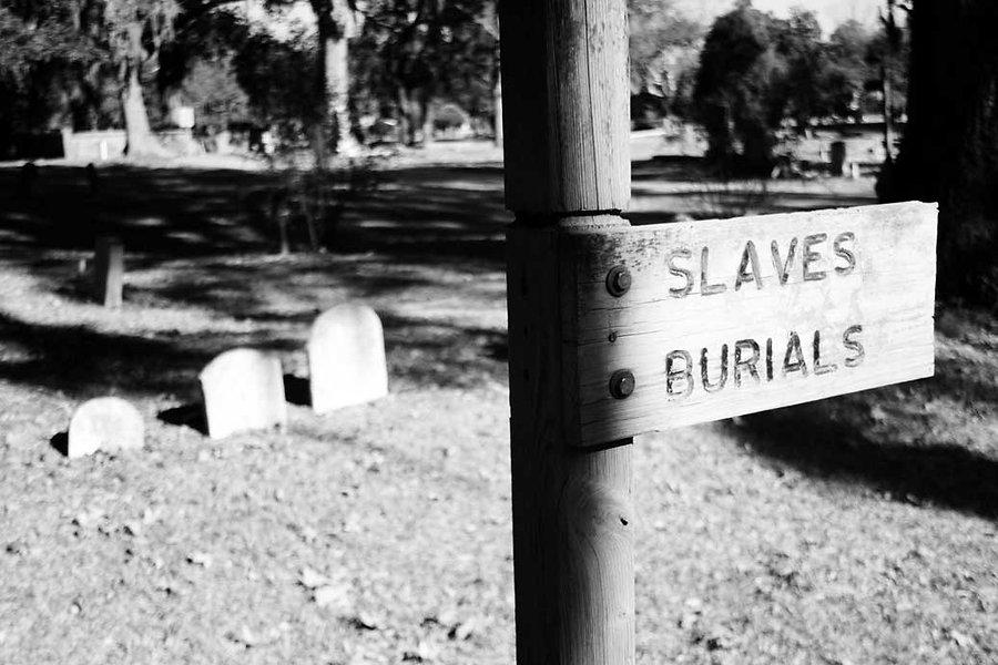 Slave-Burials.jpg