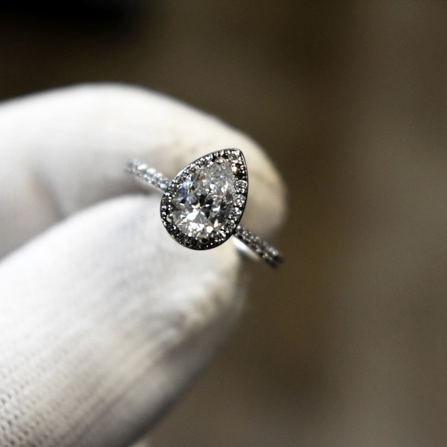 Pear Cut Engagment Ring
