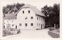 Gasthaus mit Landwirtschaft_Walmdach