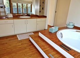 Master bathroom at Imani