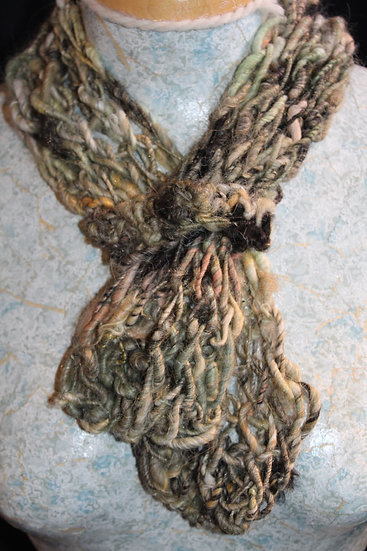 Suri Llama Cowl