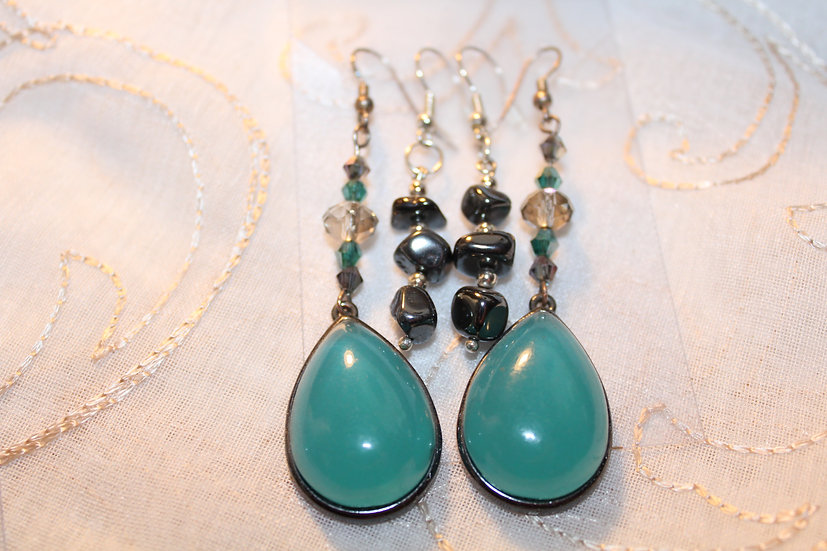 Glass/Crystal / Hematite