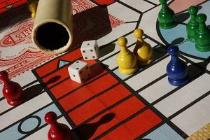 article-new-thumbnail_ehow_images_a04_sn_i2_directions-parcheesi-800x800.jpg