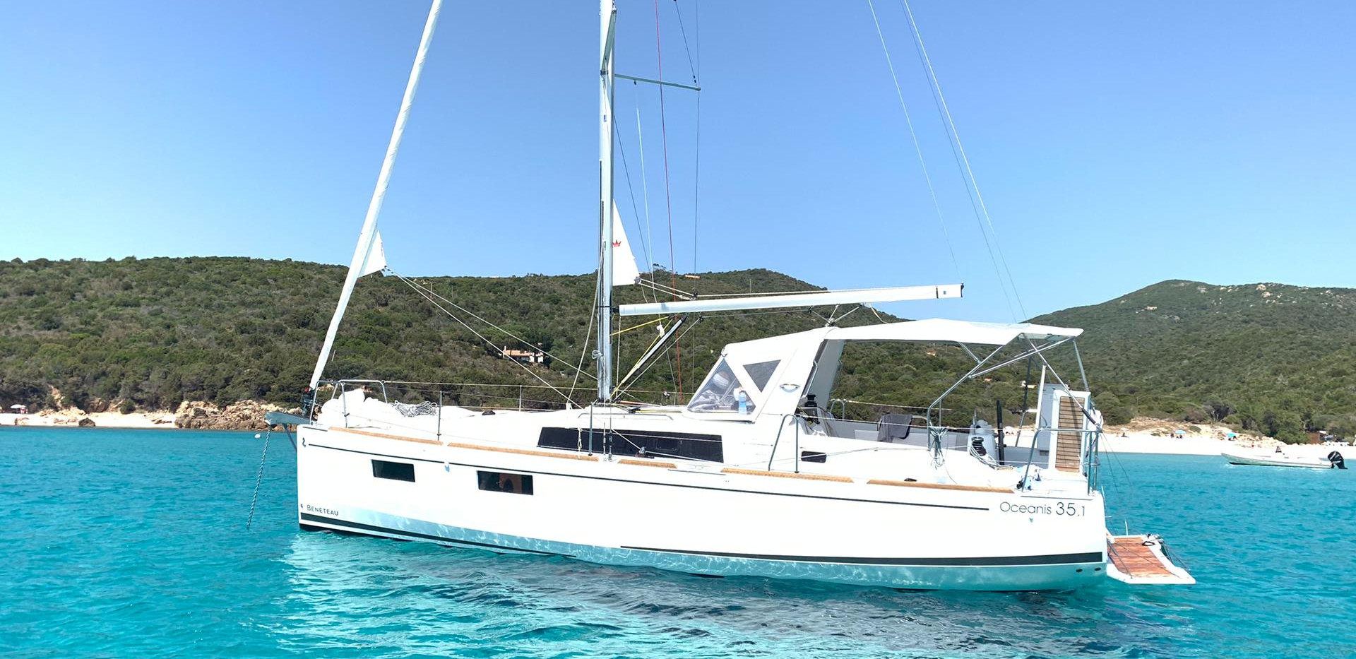 Sailing in corsica