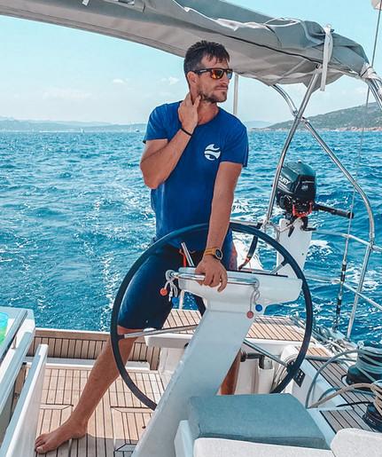 Navigare in Sardegna. Barca: Oceanis 46.1 'Oceania'.