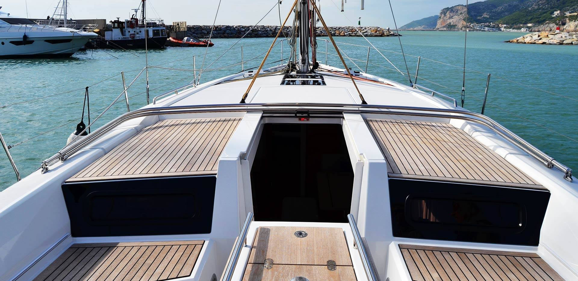 Sailing charter in Italy