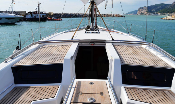 Charter a vela in Italia