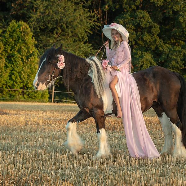 Emma aus Liebe zu Pferden