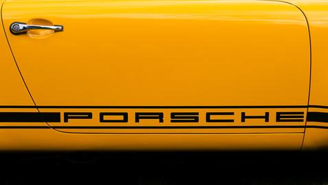 // striking gold. porsche @autosaggio