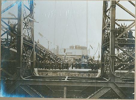 Transporter Bridge Opening, 1911