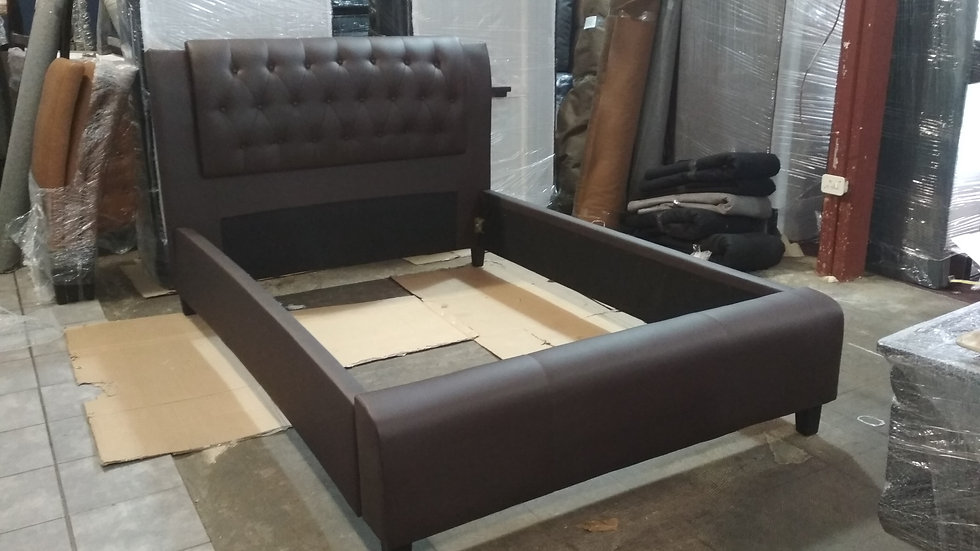 Grand Sleigh Bed