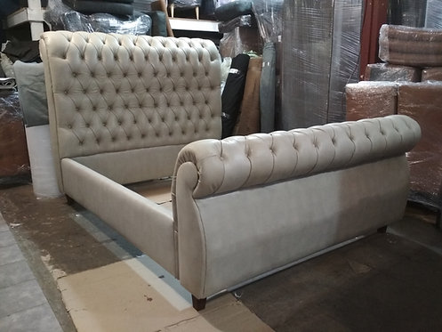 Chesterfield Sleigh Bed Queen
