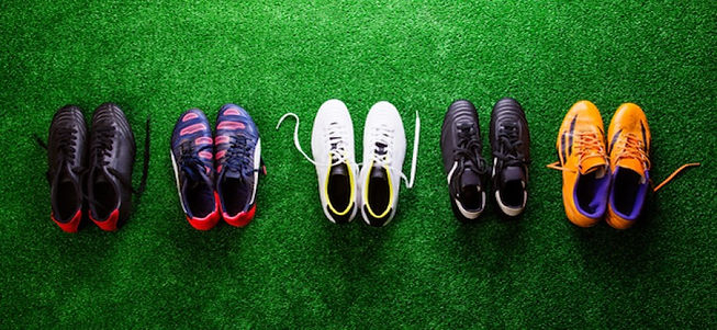 Football_boots_on_grass_1_cbaa966e96dc2b