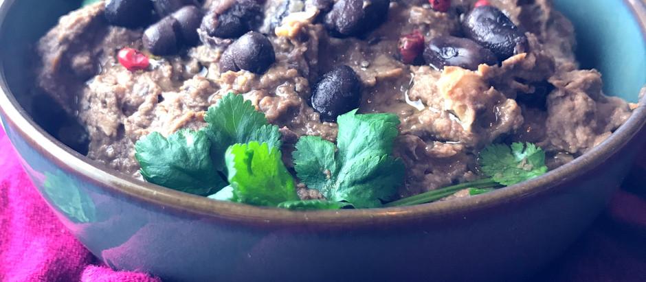 Simple dinky black bean & sun dried tomato hummus