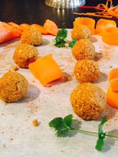 Simple, sweet carrot cake balls...
