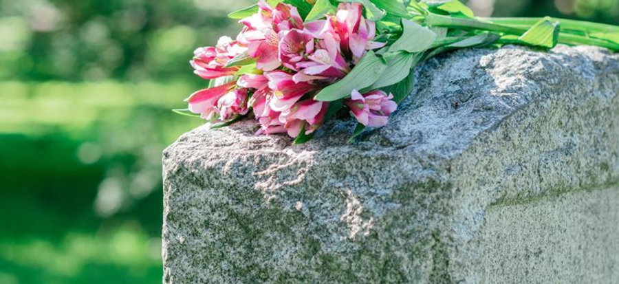 need-to-know-about-headstones-grave-mark