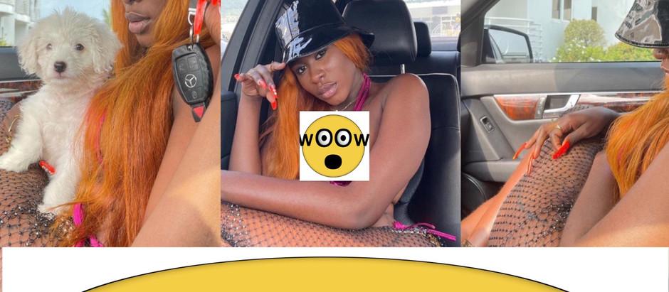 New Photos of Yaa Jackson Sh0ws a Complet3 N@k3.d In Her Car [photos]