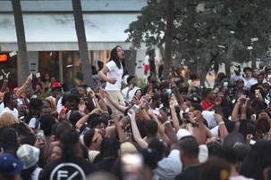 Miami Beach declares spring break emergency