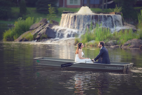 Lake Wedding in NJ with Picture Perfect Spots