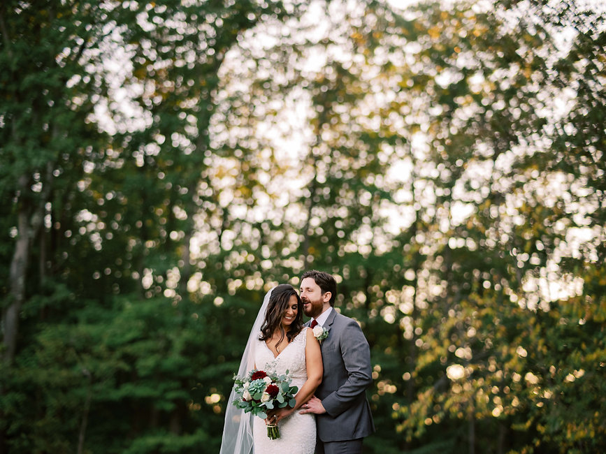 Summer wedding with lots of greenery in NJ