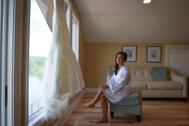 Bridal Suite Overlooking the Lake at NJ Wedding Venue