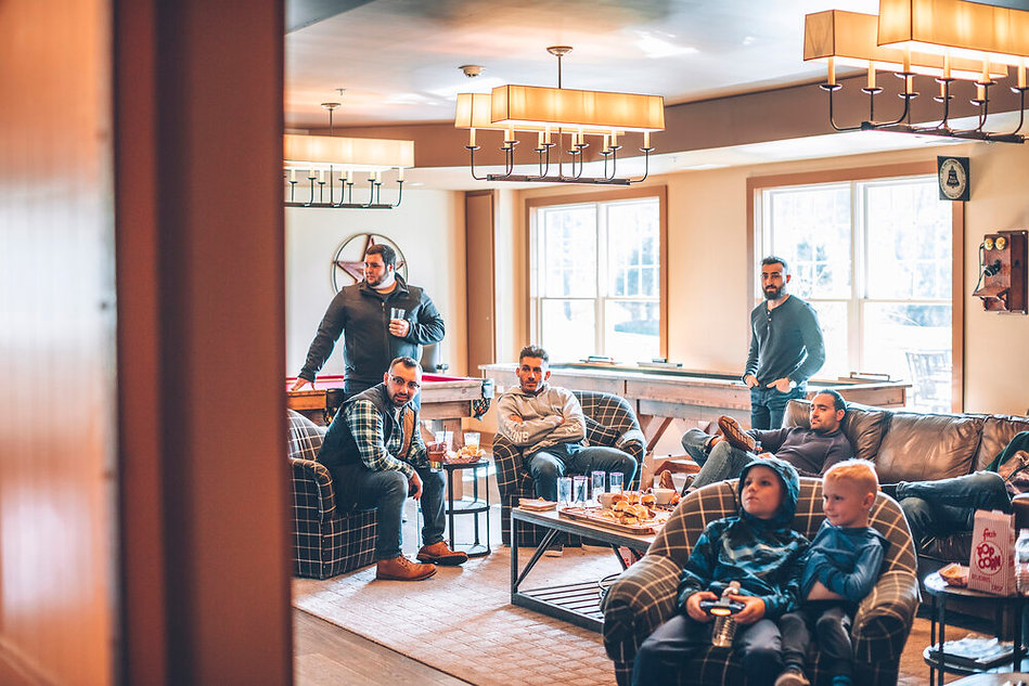 Woodford Lounge.jpg