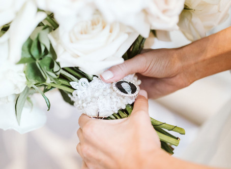 How to Tie Family Heirlooms Into Your Wedding