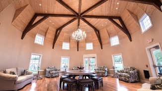 Rustic Wedding Venue with Rooms to get Ready