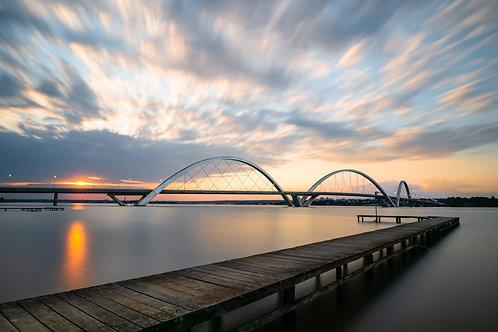 Brasília - Ponte JK ao entardecer