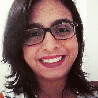 Psicóloga Sara Guerra Carvalho de Almeida. Anbordagem sistêmica. Atende adolescentes, adultos, familias e casais.