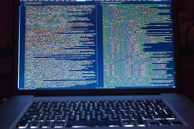 laptop-office-internet-technology-177598
