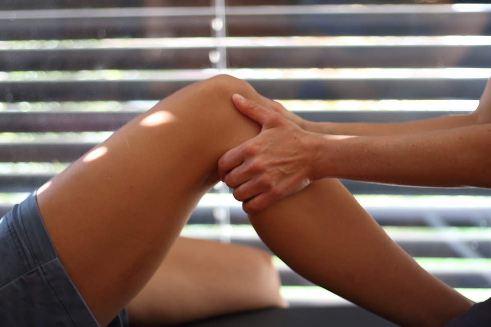 Knie nahe.JPG