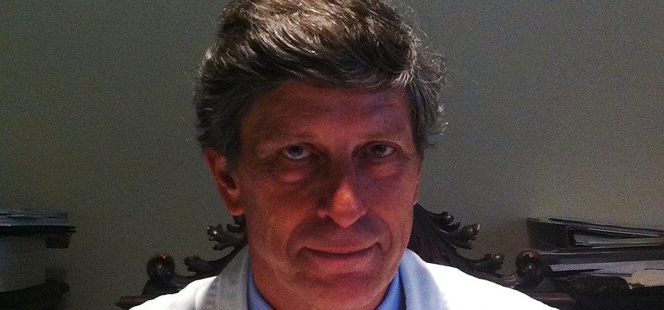 Prof. De Caro.jpg