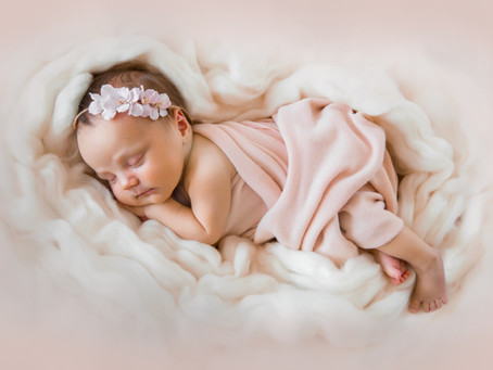 What do you need to do before newborn photosession?