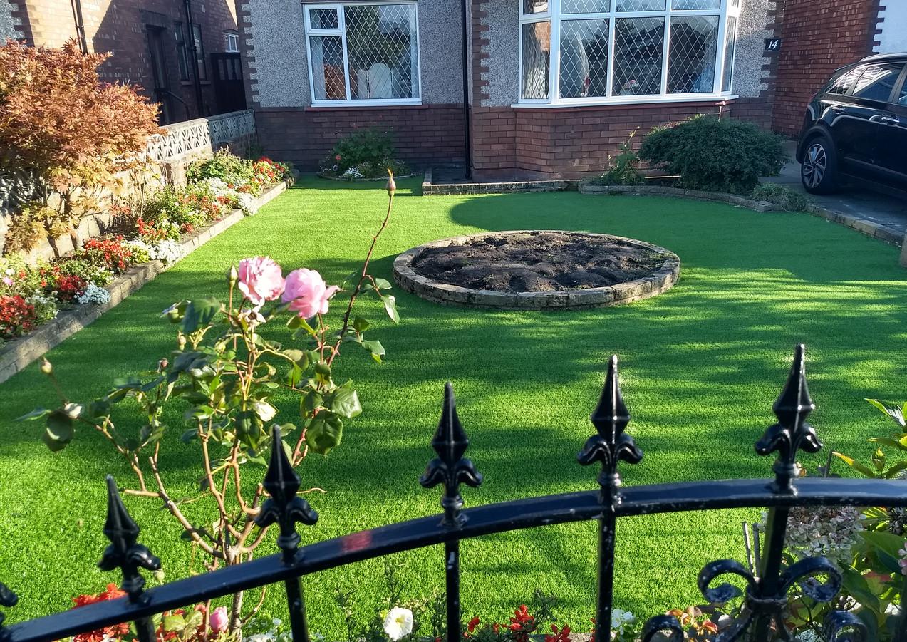 Liverpool Artificial grass 10