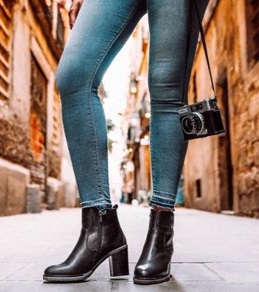Pikolinos - The Pompeya Chunky Heel Boot